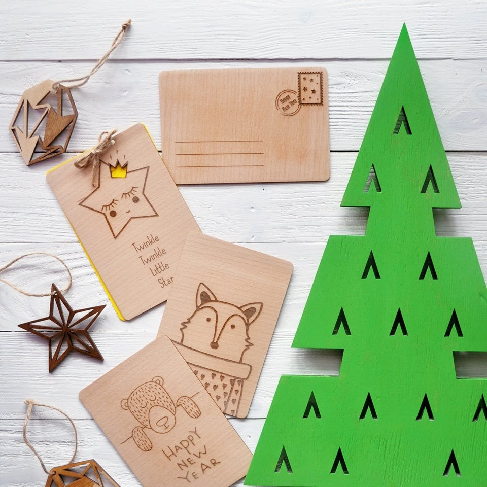 Деревянные корпоративные открытки